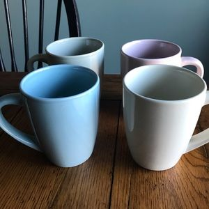 ND Exclusive set of 4 Ceramic Coffee Mugs